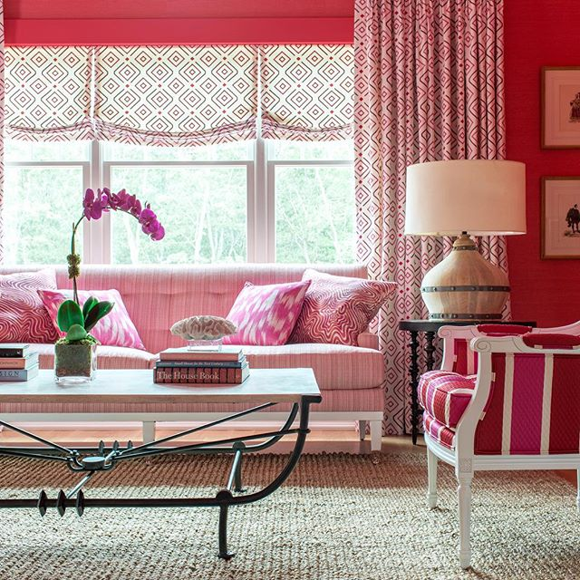 Brian-Patrick-Flynn-covered-his-Hamptons-showhouse-walls-in-hot-pink-wallcovering-then-toned-it-down